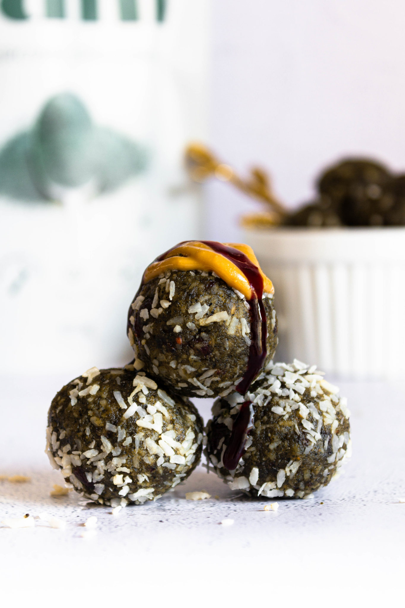 Stack of spirulina balls